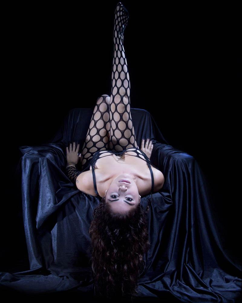 Sara Olivares, lenceia erotica. fotografo Manuel Trigo.