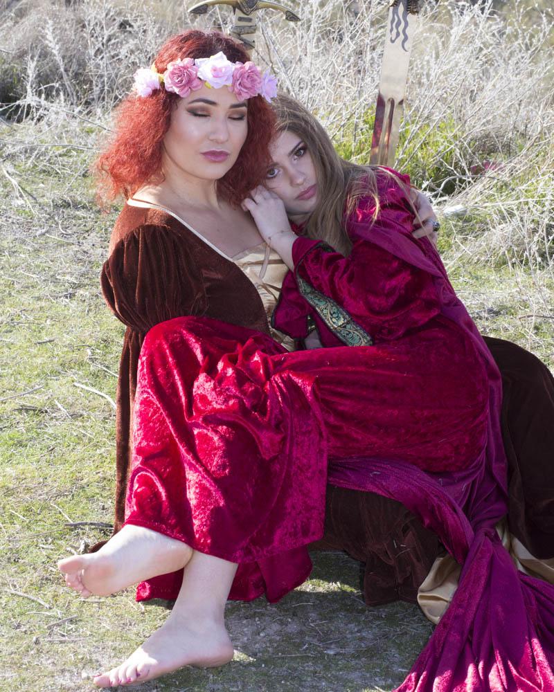 Sara y Jenny. Sesion medieval. Preotección
