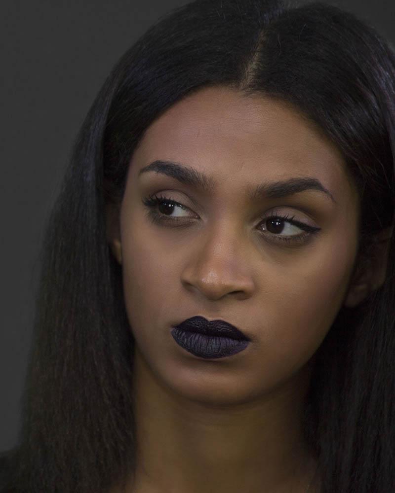 Trisha Fernández. Labios oscuros