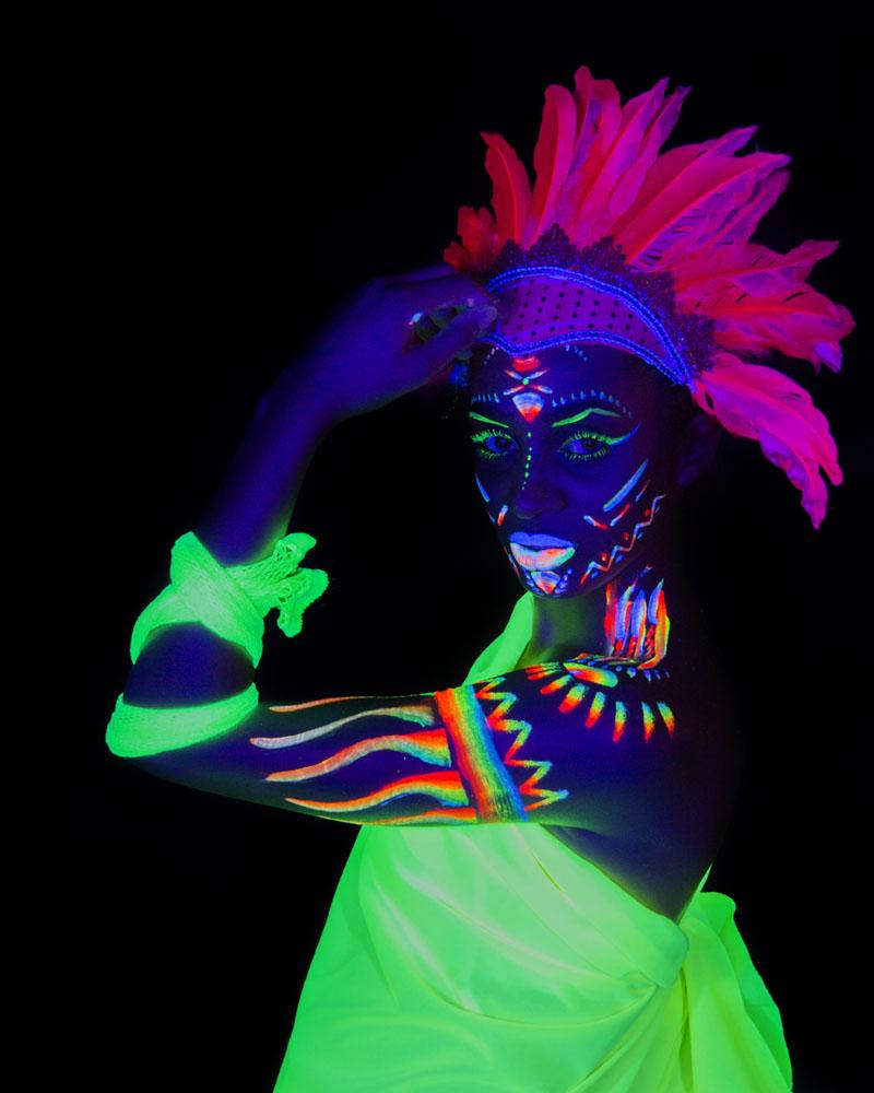 Trisha Fernández. Fluorescente. Ultravioleta. UV